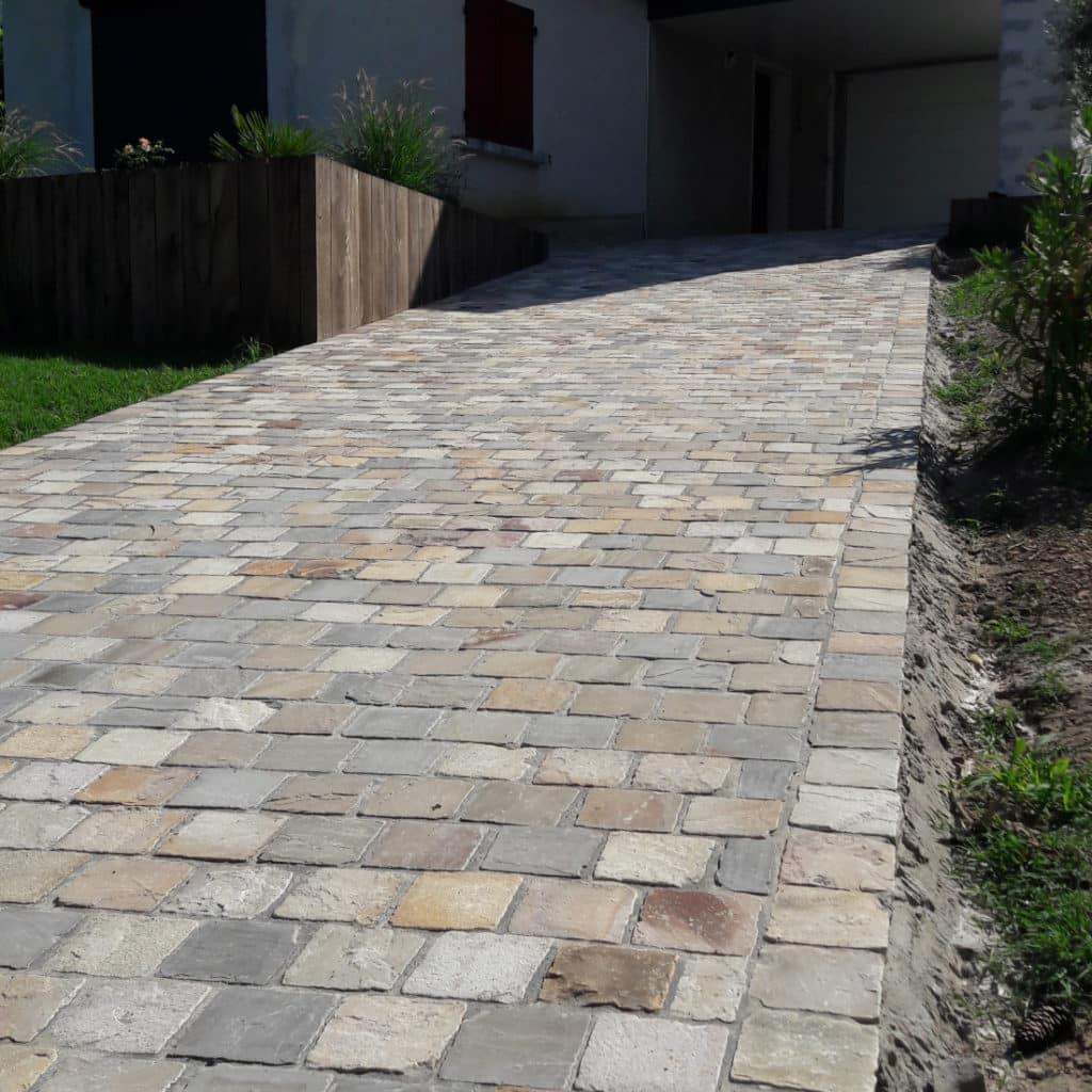 Driveway_sandstone_cobbles